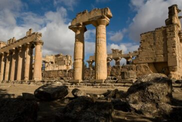Turkey-backed fighters accused of looting Libya's antiques, report