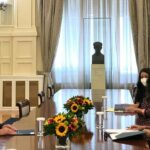 Greek FM, Italian ambassador discuss Libya